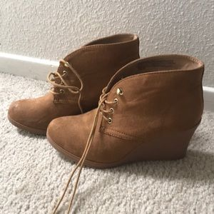 Size 9 brown wedges